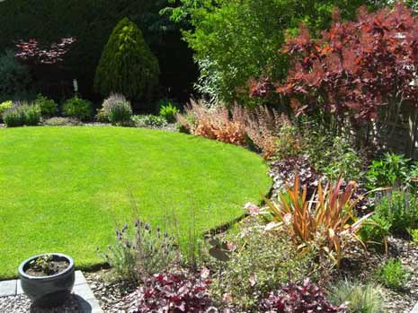 Garden design and maintenance portfolio wokingham for Domestic garden ideas